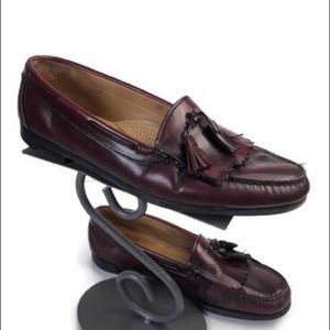 G.H. Bass & Co. burgundy tasseled loafers size 12